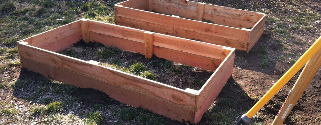 raised garden beds cedar fence 1